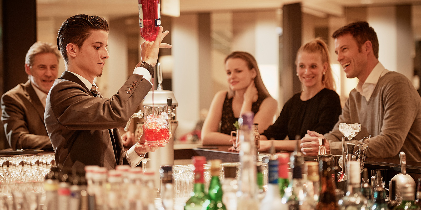 bar_cocktail_hotel_seepark_thun.jpg