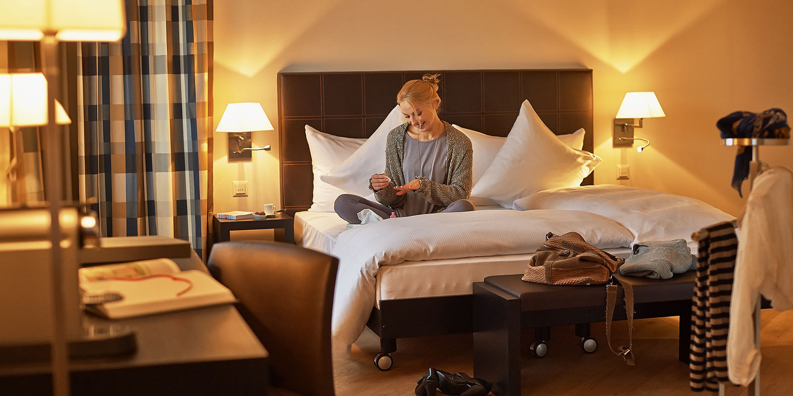 Room-junior-suiten-hotel-seepark-thun-congress-schweiz_04.jpg